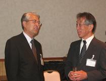 左から、渡邊理事((協)日本飼料工業会)、吉濱代表理事(畜産生産者団体協議会)