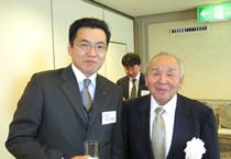 左から、河野販売企画課係長(雪印種苗)、南雲会長(北海道全日畜)