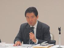 説明される東電本社の紫藤英文部長