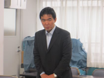 説明する東京電力の紫藤部長