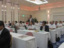 討論には参加者も会場から積極的に参加