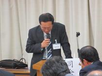 決算・予算議案を説明する武馬孝門経理課長
