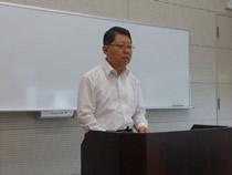 講演中の工業会 平野昭専務理事