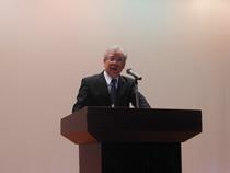 講演会は北海道全日畜の佐々木春男会長の挨拶で開会