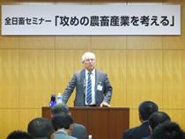 西原登代表理事が開会/テーマに最適の講師を迎えたと石橋講師を紹介